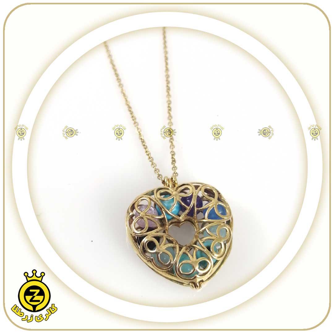گردنبند قلبی شکل با سنگ های ماه تولد اسفند ماه