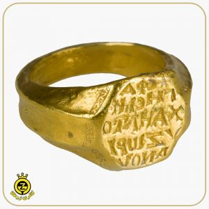 انگشتر 8 ضلعی طلا مربوط به 1300 سال بعد از میلاد
